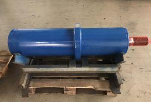 Instandsetzung doppelwirkender Hydraulikzylinder aus Eisengiesserei, hier nach der Instandsetzung
