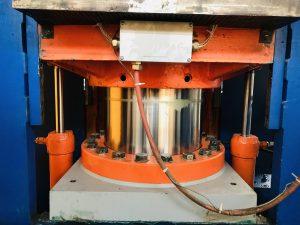 Instandsetzung eines Pressenzylinders und eines Rückholzylinders aus einer Presse für Bremsbeläge